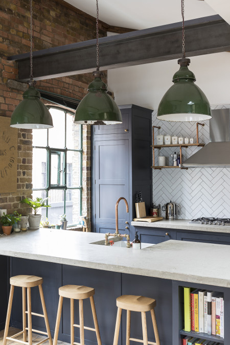 PenthouseLondonShoreditchIndustrialKitchenWindow_450x675
