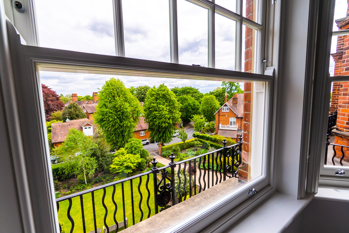 BPM3049 Victorian Penthouse London Chiswick Kitchen Window View Gardens_scaled_Y