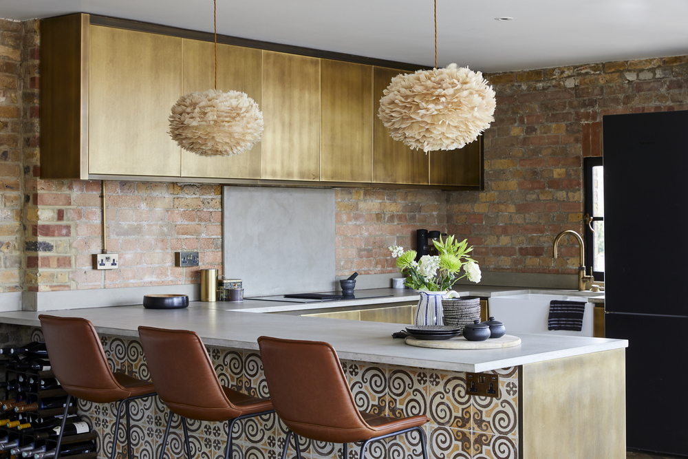 _A7A9171 prime contemporary penthouse Aldgate bespoke kitchen brown chairs pendants